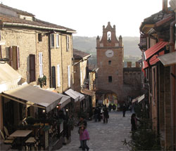De mooie kust van Le Marche: Pesaro en Gradara