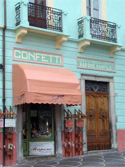 De confetti van Sulmona