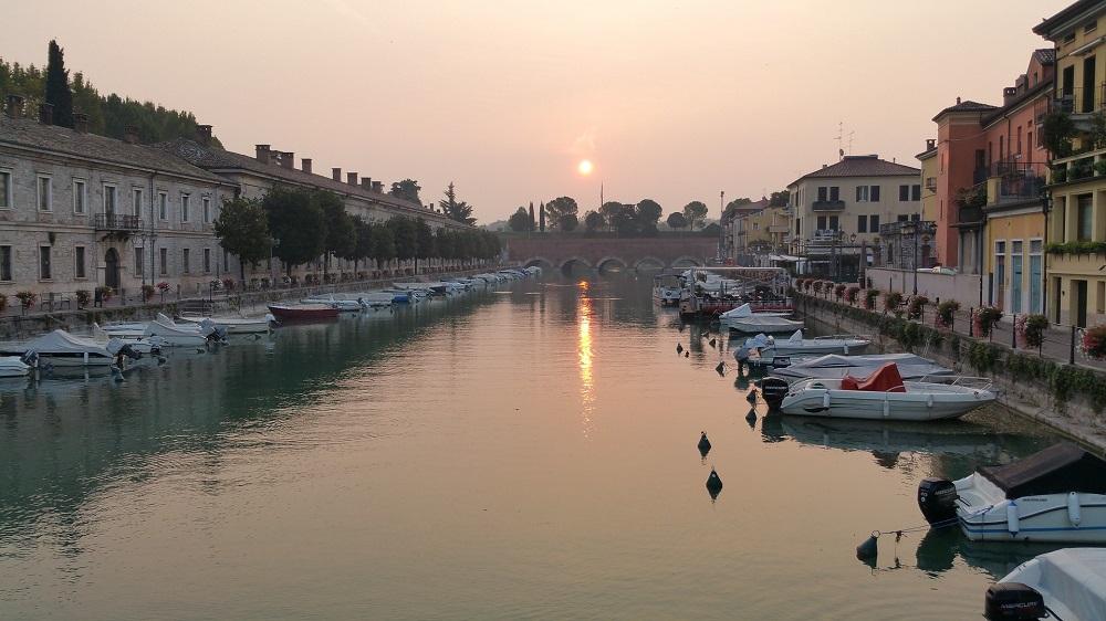 Pittoresk dorpje Peschiera del Garda