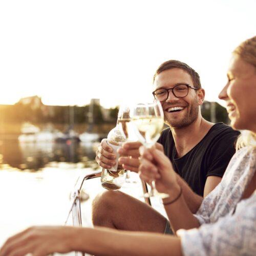 Waarom drinken we zo graag wijn? Dít zijn de 5 redenen